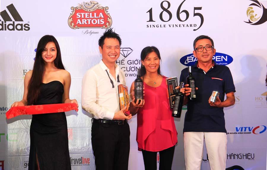 Golfer nữ Nguyễn Thị Ngọc Dung đã xuất sắc giành 2 giải kỹ thuật của giải đấu.