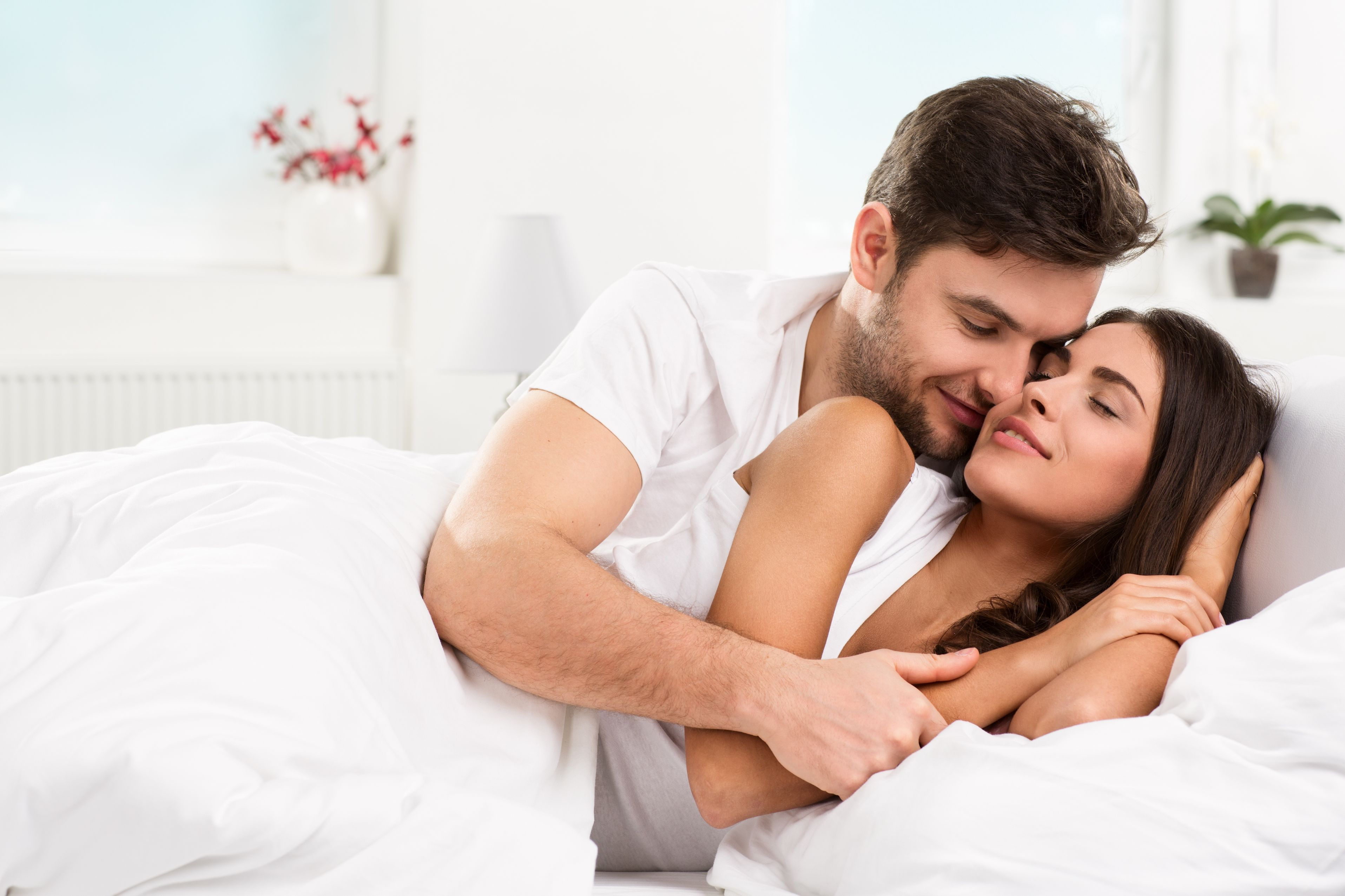 couple-on-bed