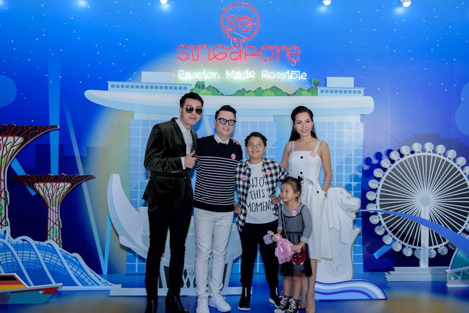Only C & Gia đình Hoàng Bách (1)