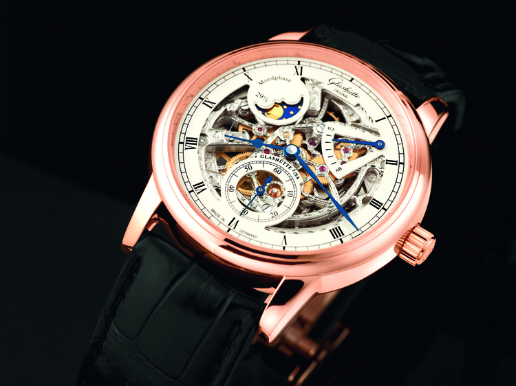 Không chỉ nổi tiếng về ôtô, nước Đức còn được biết đến với nền công nghiệp đồng  hồ thứ 2 thế giới. Đồng hồ Đức nổi tiếng với sự tinh tế, ...